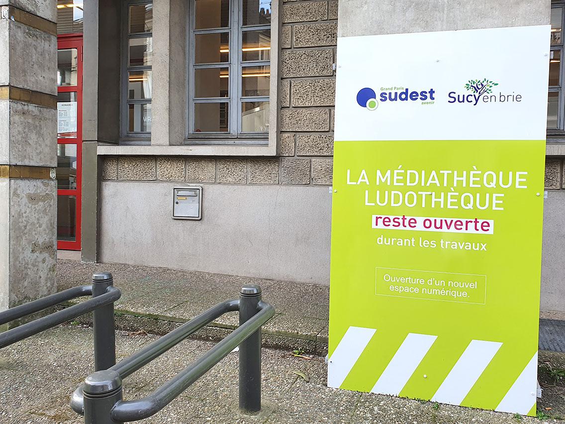 Panneau-commerce-sucy
